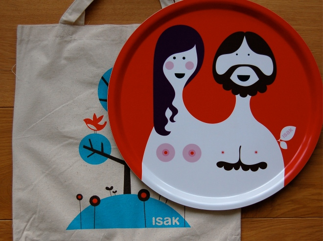 Blossom and Bill tray by Isak with it's delivery bag.