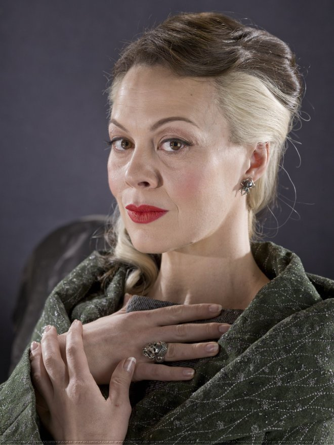 narcissa-promo-pics-lucius-and-narcissa-malfoy-28195472-1400-1867
